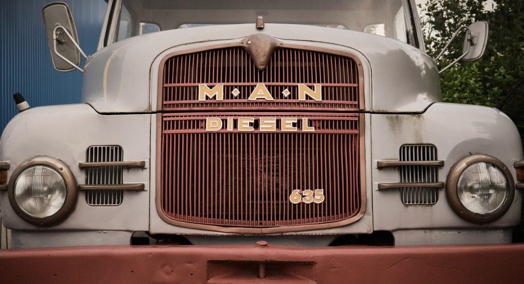 Catalogación de camiones históricos